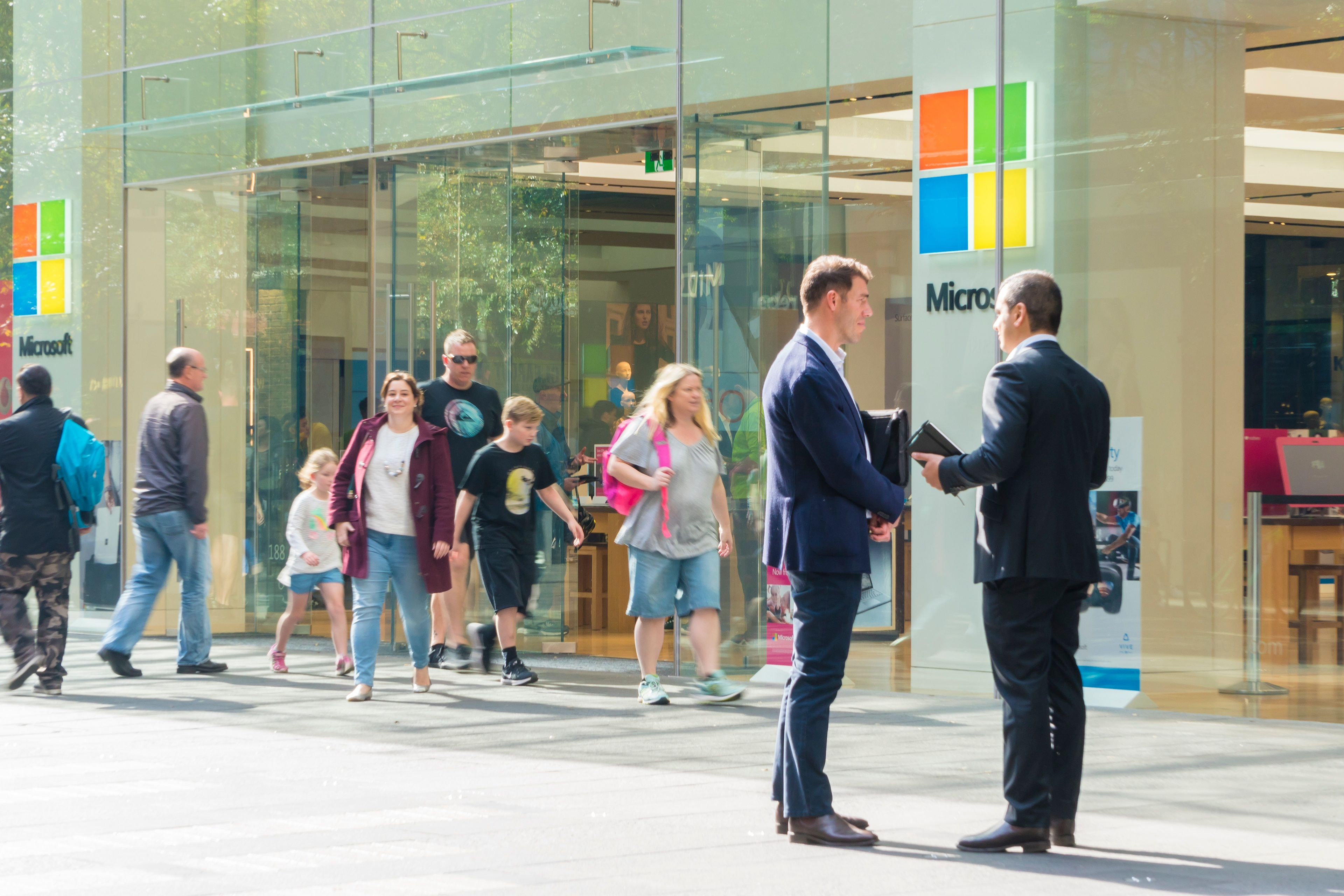 Employees outside the Microsoft Office